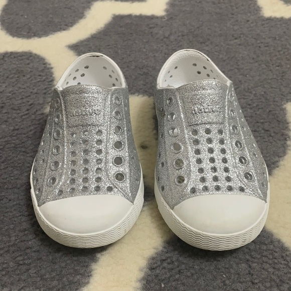 Toddler Native Shoes Sz6